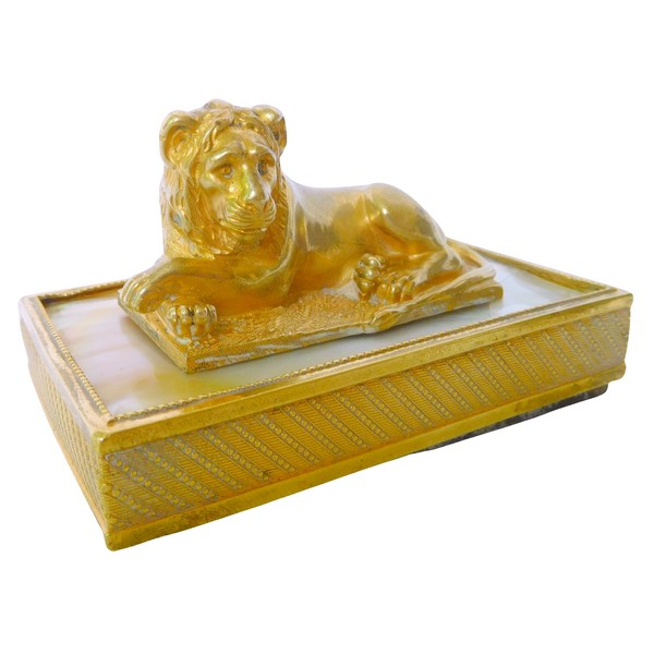 Empire ormolu and mother of pearl lion-shaped paperweight, early 19th century circa 1820