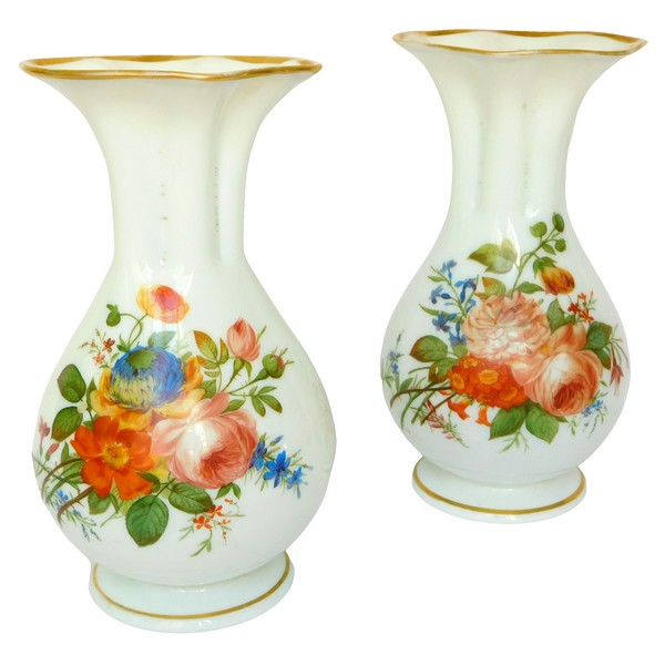 Baccarat : pair of painted opaline crystal vases, 19th century production circa 1840