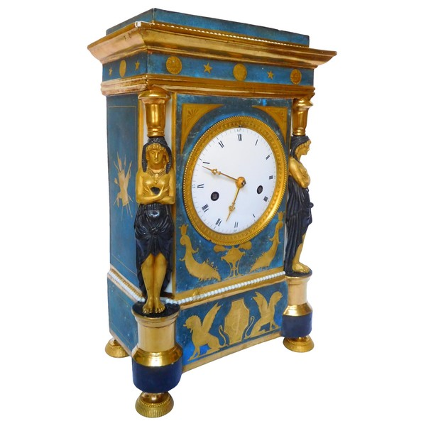 Porcelain clock attibuted to Dagoty, Consulate period circa 1800-1805