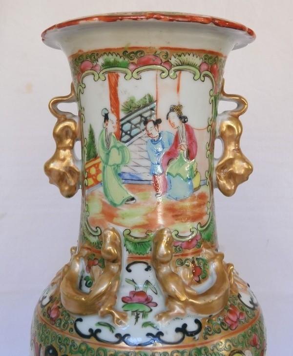 Pair of fine Canton porcelain vases / potiches, 19th century circa 1880