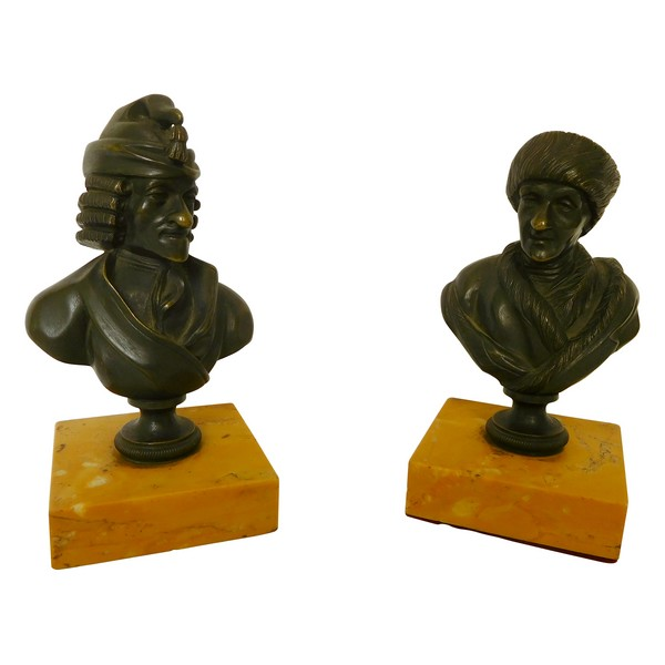 Pair of patinated bronze busts : French philosophers Voltaire And Rousseau