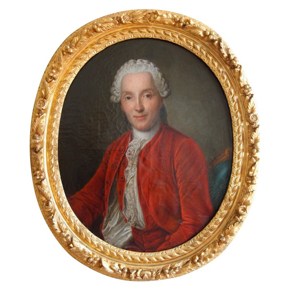 18th century French school, ovale portrait of a gentleman, Louis XV period - oil on canvas
